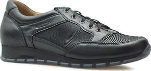 Sneakersy Lesta z płaską podeszwą