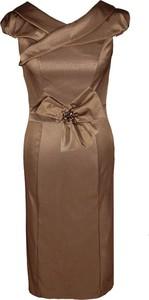 Brązowa sukienka Fokus z dekoltem w kształcie litery v