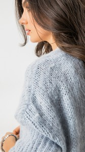 Niebieski sweter Feelcoo w stylu casual