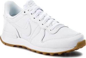 Buty sportowe Nike z płaską podeszwą ze skóry ekologicznej sznurowane