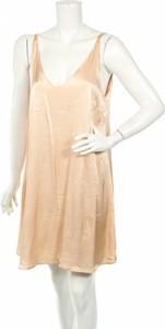 Sukienka Atmos & Here rozkloszowana w stylu casual bez rękawów