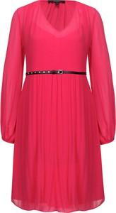 Sukienka Pepe Jeans z dekoltem w kształcie litery v z długim rękawem w stylu casual