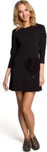 Czarna sukienka MOE mini w stylu casual z okrągłym dekoltem