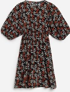 Sukienka Reserved z krótkim rękawem mini
