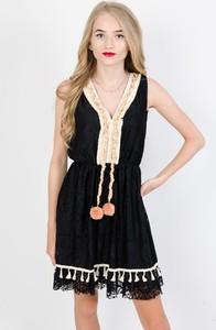 Sukienka Olika bez rękawów z dekoltem w kształcie litery v