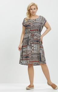 Sukienka born2be z okrągłym dekoltem midi trapezowa