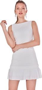 Sukienka Jimmy Sanders z okrągłym dekoltem trapezowa mini