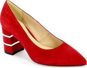Czerwone czółenka Uncome w stylu klasycznym na wysokim obcasie