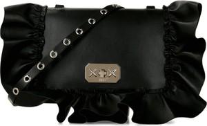 Czarna torebka Red Valentino ze skóry na ramię