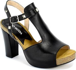 Sandały Euro Moda z klamrami ze skóry