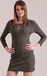 Zielona sukienka Sheandher.pl mini w stylu casual z okrągłym dekoltem