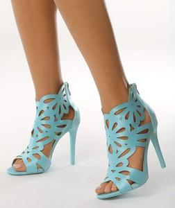 Miętowe sandały born2be w stylu casual na zamek