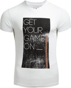 T-shirt Outhorn w młodzieżowym stylu z bawełny