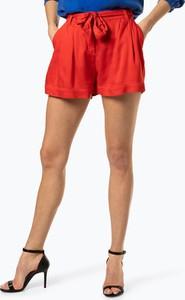5ace791764748 Czerwone szorty Guess Jeans w młodzieżowym stylu