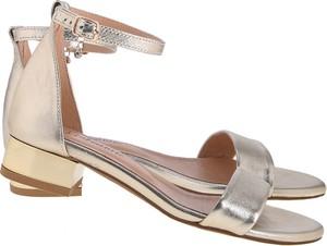 Sandały Lafemmeshoes w stylu klasycznym na obcasie