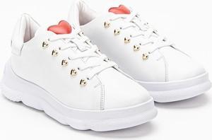 Buty sportowe Love Moschino z płaską podeszwą sznurowane