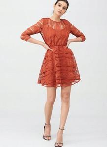 Czerwona sukienka V by Very z tiulu mini