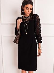 Czarna sukienka SELFIEROOM prosta z okrągłym dekoltem mini