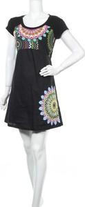 Sukienka Keawa mini z okrągłym dekoltem