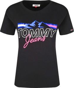 T-shirt Tommy Jeans w młodzieżowym stylu