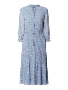 Niebieska sukienka S.Oliver Black Label z szyfonu z kołnierzykiem
