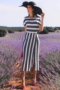 Sukienka Ivet.pl w stylu casual z okrągłym dekoltem