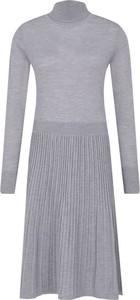 Sukienka Calvin Klein w stylu casual z długim rękawem z wełny