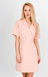 Różowa sukienka Zoio