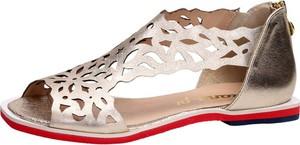 Złote sandały Suzana z klamrami w stylu casual ze skóry