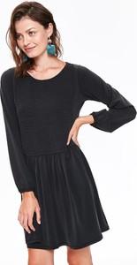 Sukienka Top Secret oversize z długim rękawem z okrągłym dekoltem