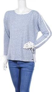 Niebieska bluzka Ivanka Trump z okrągłym dekoltem z długim rękawem w stylu casual