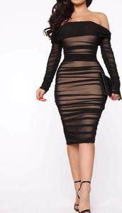 Czarna sukienka Arilook hiszpanka midi dopasowana