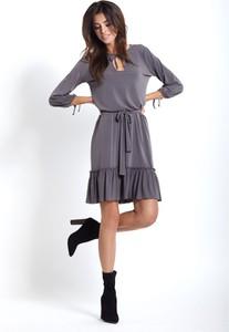 Granatowa sukienka Ivon oversize z żabotem