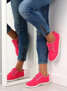 Buty sportowe MojBut.pl sznurowane w sportowym stylu