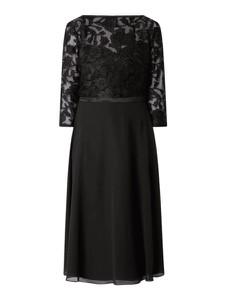 Czarna sukienka Christian Berg Cocktail z długim rękawem midi