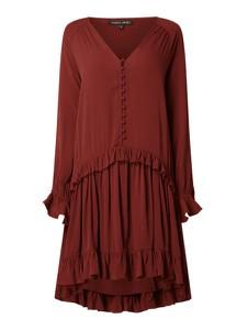 Czerwona sukienka Farina Opoku z długim rękawem z dekoltem w kształcie litery v