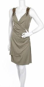 Zielona sukienka The One mini kopertowa na ramiączkach