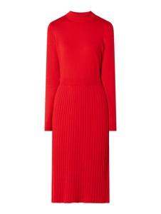 Czerwona sukienka Esprit midi z dzianiny