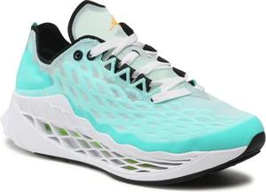 Miętowe buty sportowe Nike w sportowym stylu