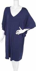 Niebieska sukienka TRIUMPH z długim rękawem