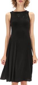 Czarna sukienka Desigual bez rękawów z okrągłym dekoltem