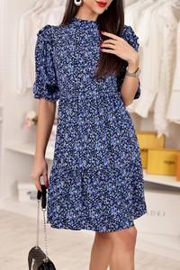 Niebieska sukienka IVET trapezowa z krótkim rękawem
