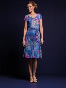 Niebieska sukienka Risca z tkaniny midi