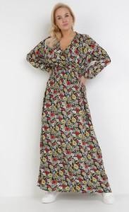 Sukienka born2be z dekoltem w kształcie litery v maxi trapezowa