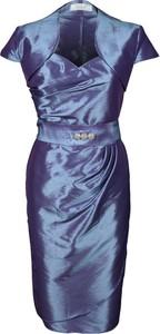 Sukienka Fokus z dekoltem w kształcie litery v asymetryczna z krótkim rękawem