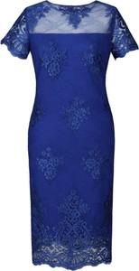 Niebieska sukienka Fokus z okrągłym dekoltem z krótkim rękawem