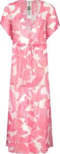 Sukienka Guess z krótkim rękawem maxi
