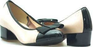 Czółenka Caprice ze skóry w stylu glamour