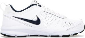 Buty sportowe Nike w street stylu