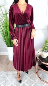 Czerwona sukienka Hypnotize Butik z długim rękawem z dekoltem w kształcie litery v
